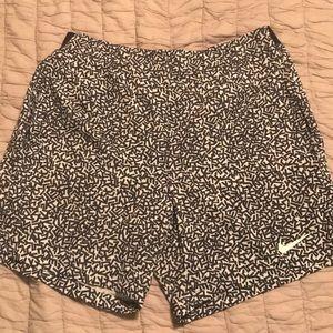 NIKE 7inch men's Gladiator Printed Tennis Shorts